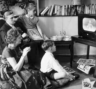 TV_Shows_We_Used_To_Watch_-_1955_Television_advertising_(4934882110)